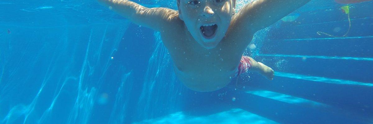 Hogyan ússzuk meg fülgyulladás nélkül a strandszezont?