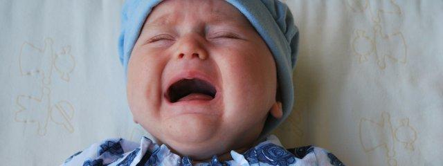 A fogzás jelei: okozhat náthás tüneteket?