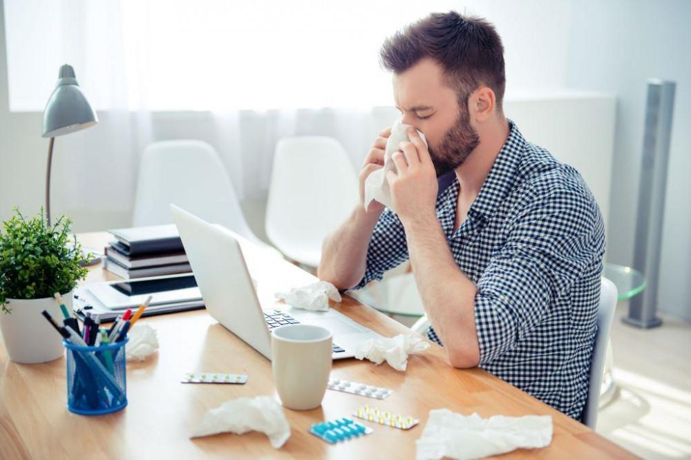 Égő érzést az orrban szénanátha és nem-allergiás rhinitisz is okozhat.