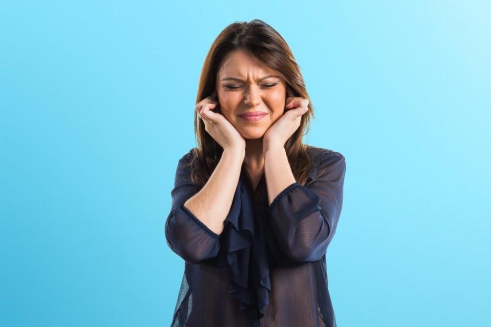 A fülpattogás gyakran nátha után jelentkezik.